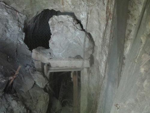 «Αρχαιολογικός Χώρος» Μαρίνας Νάουσας, Ευρώπης Ένας Εγκαταλελειμμένος Τάφος και Ντροπή μας Marina3